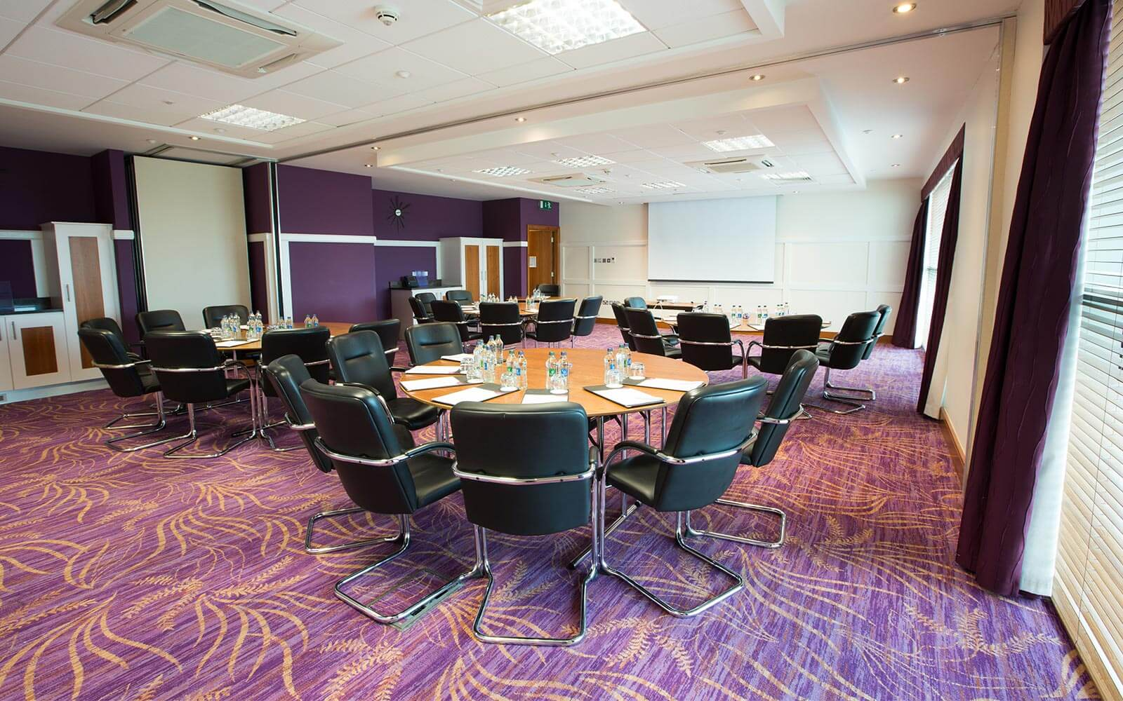 meeting room cabaret style in Crowne Plaza Dublin Blanchardstown